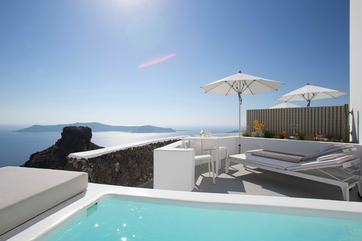 Grace Santorini – Deluxe with Plunge Pool