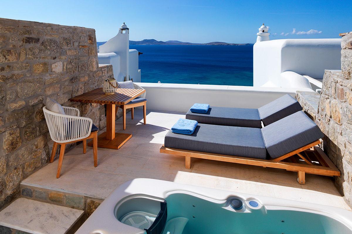 Mykonos Grand – Premium Sea View Jacuzzi Room