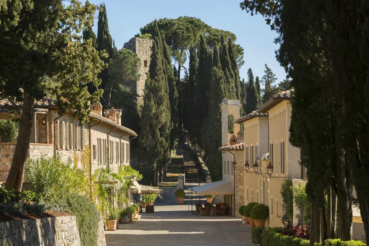 Rosewood Castiglion del Bosco – Il Borgo Avenue