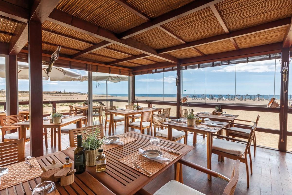 Vila Vita Parc Resort & Spa – Restauracja na plaży