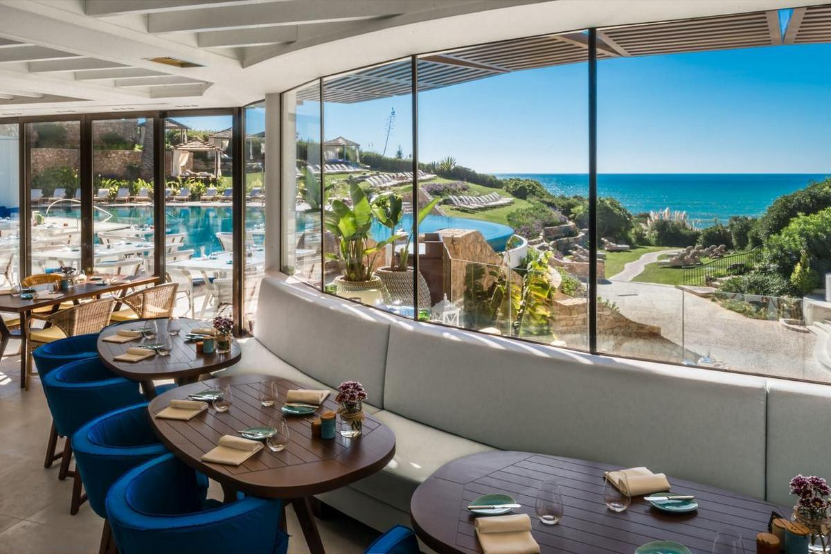 Vila Vita Parc Resort & Spa – Restauracja przy basenie