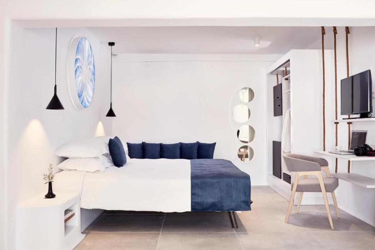 Absolute Mykonos – Spacious Two Bedroom Veranda Suite
