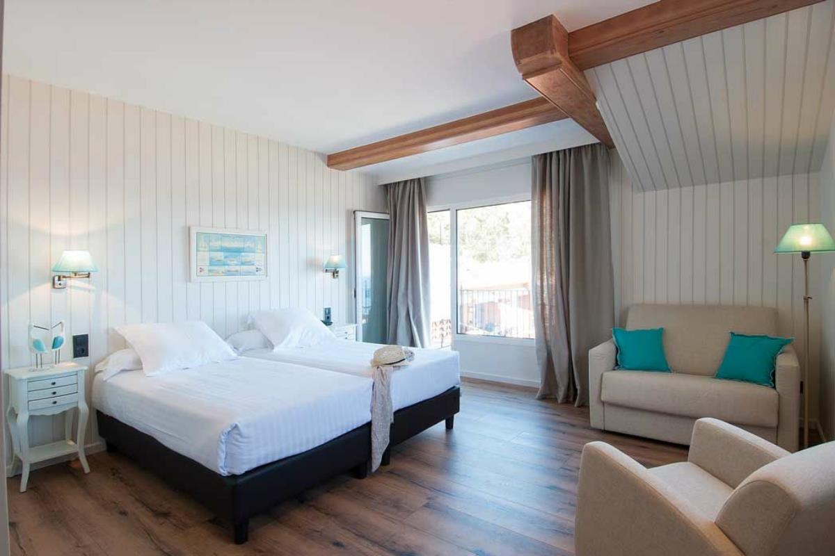 Aigua Blava – Double Room Garden View