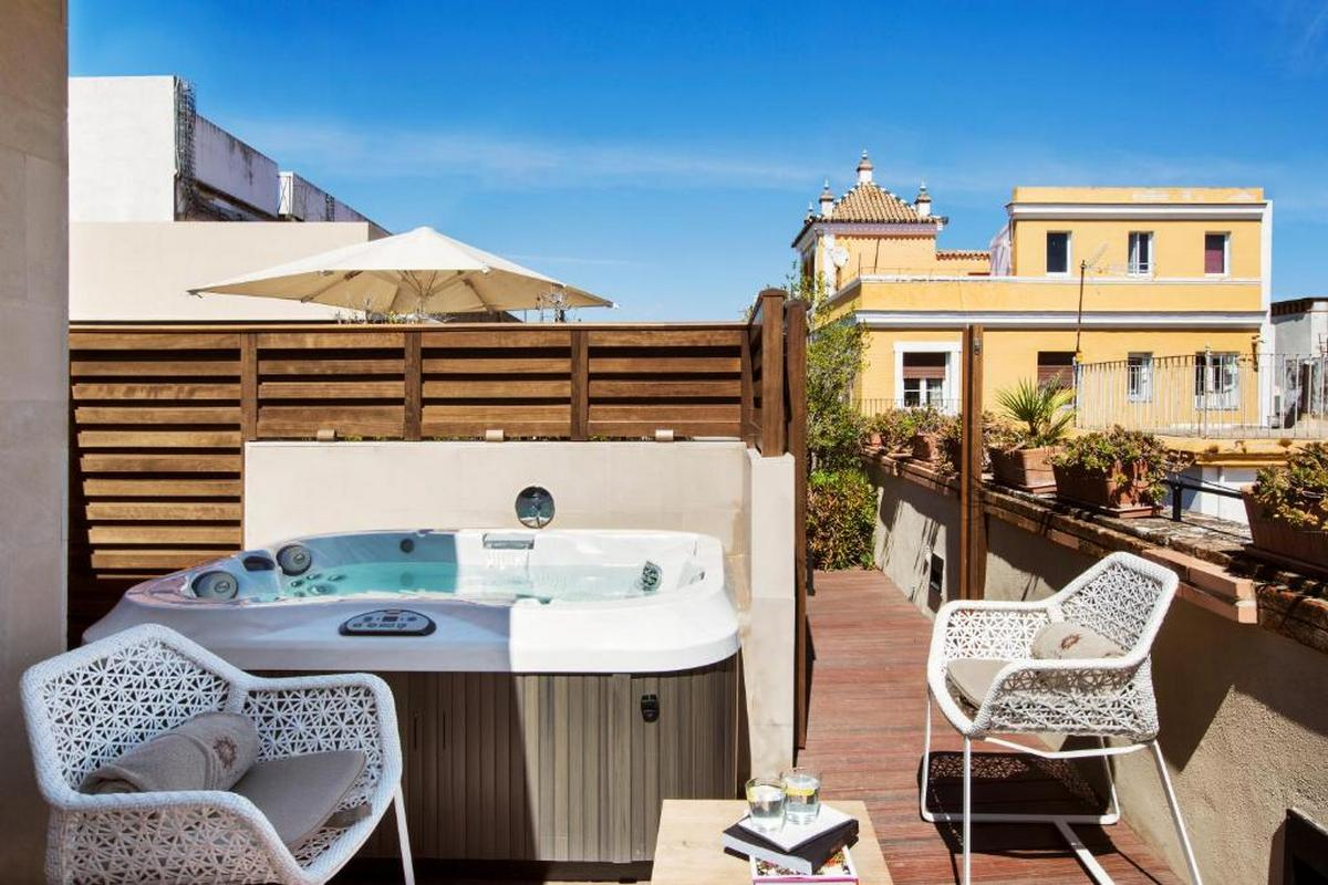 Casa 1800 Sevilla – Deluxe Room with Terrace and Jacuzzi