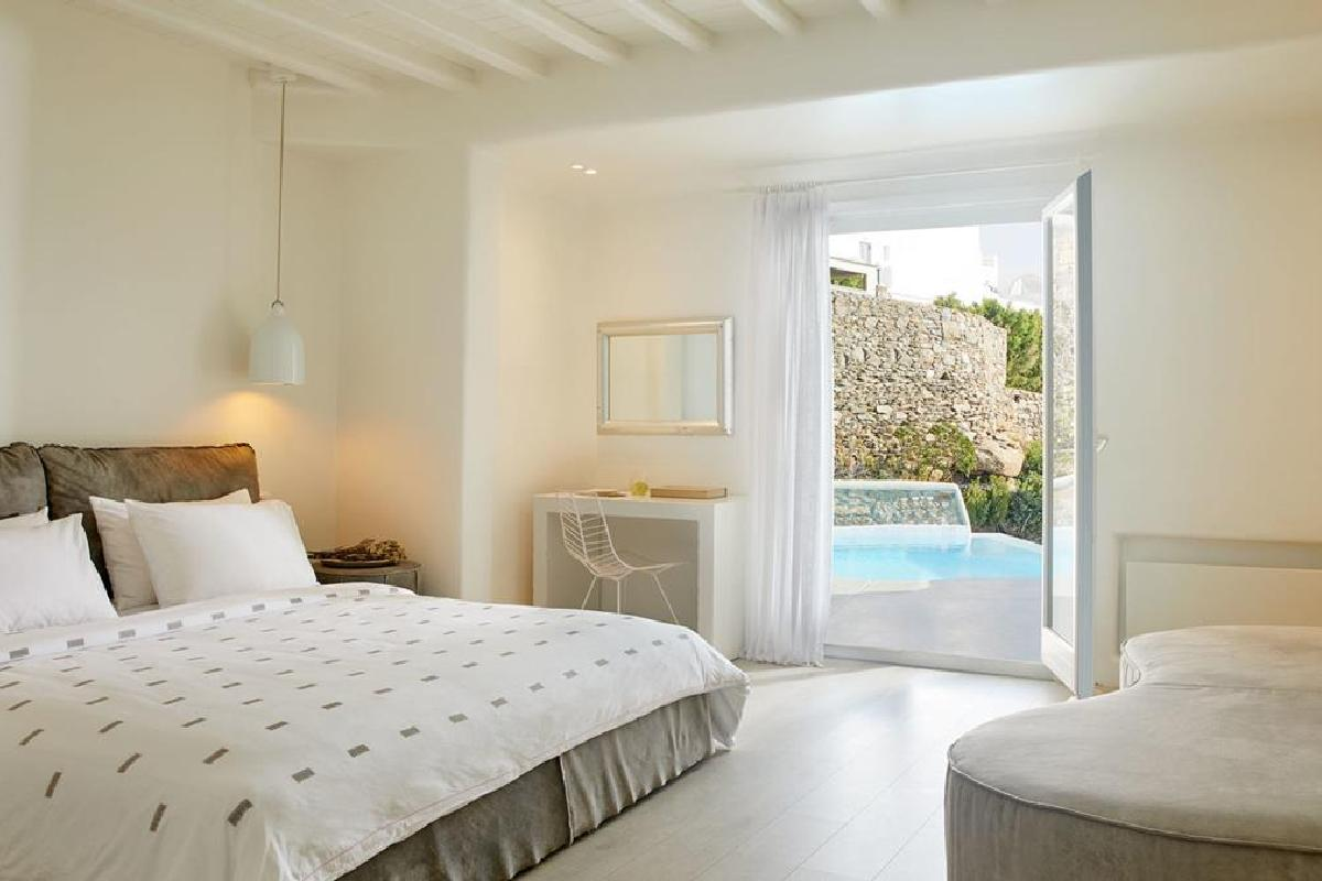 Cavo Tagoo – Classic Room with Pool