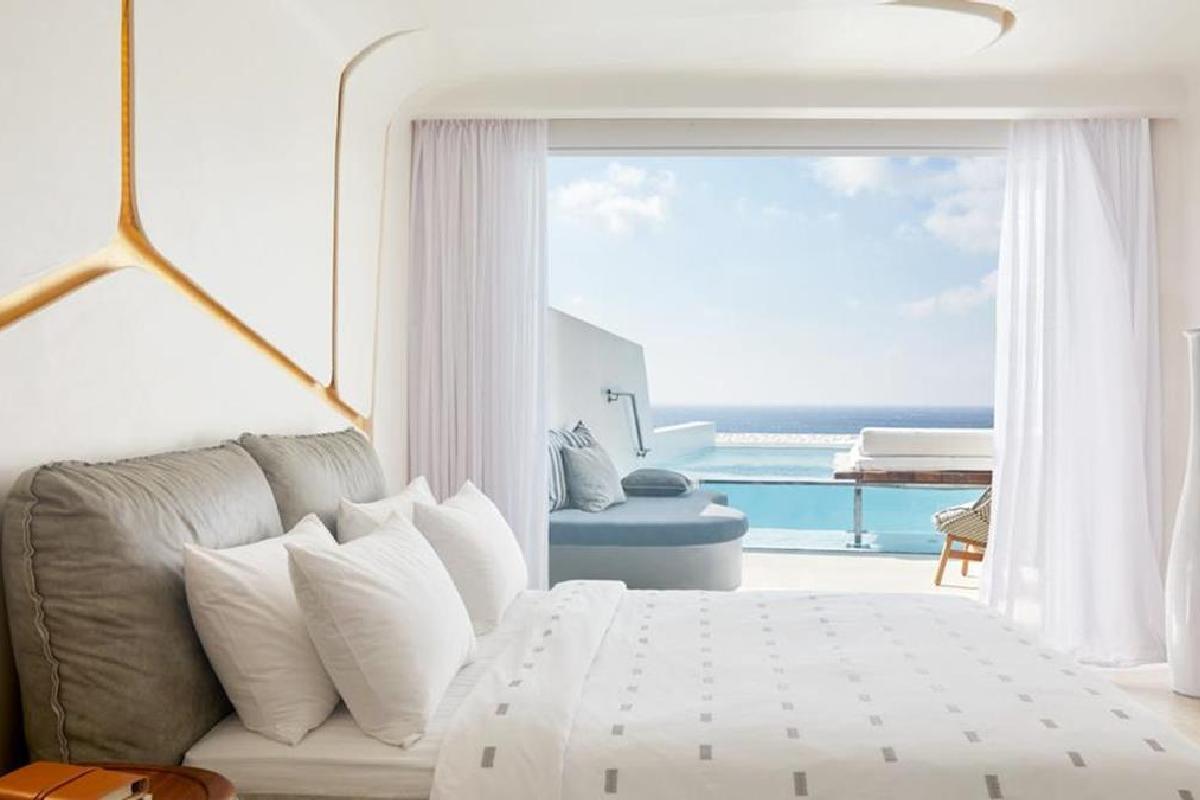 Cavo Tagoo – Premium Room with Pool