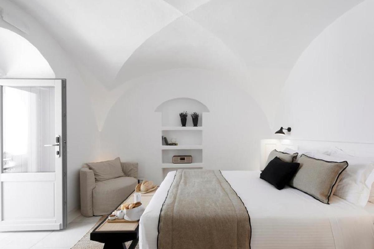 Charisma Suites – Double Caldera View