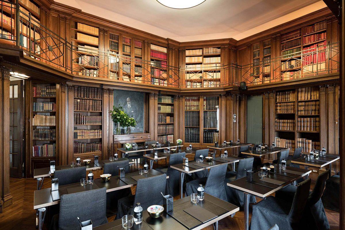 Grand Hotel Central – Biblioteka