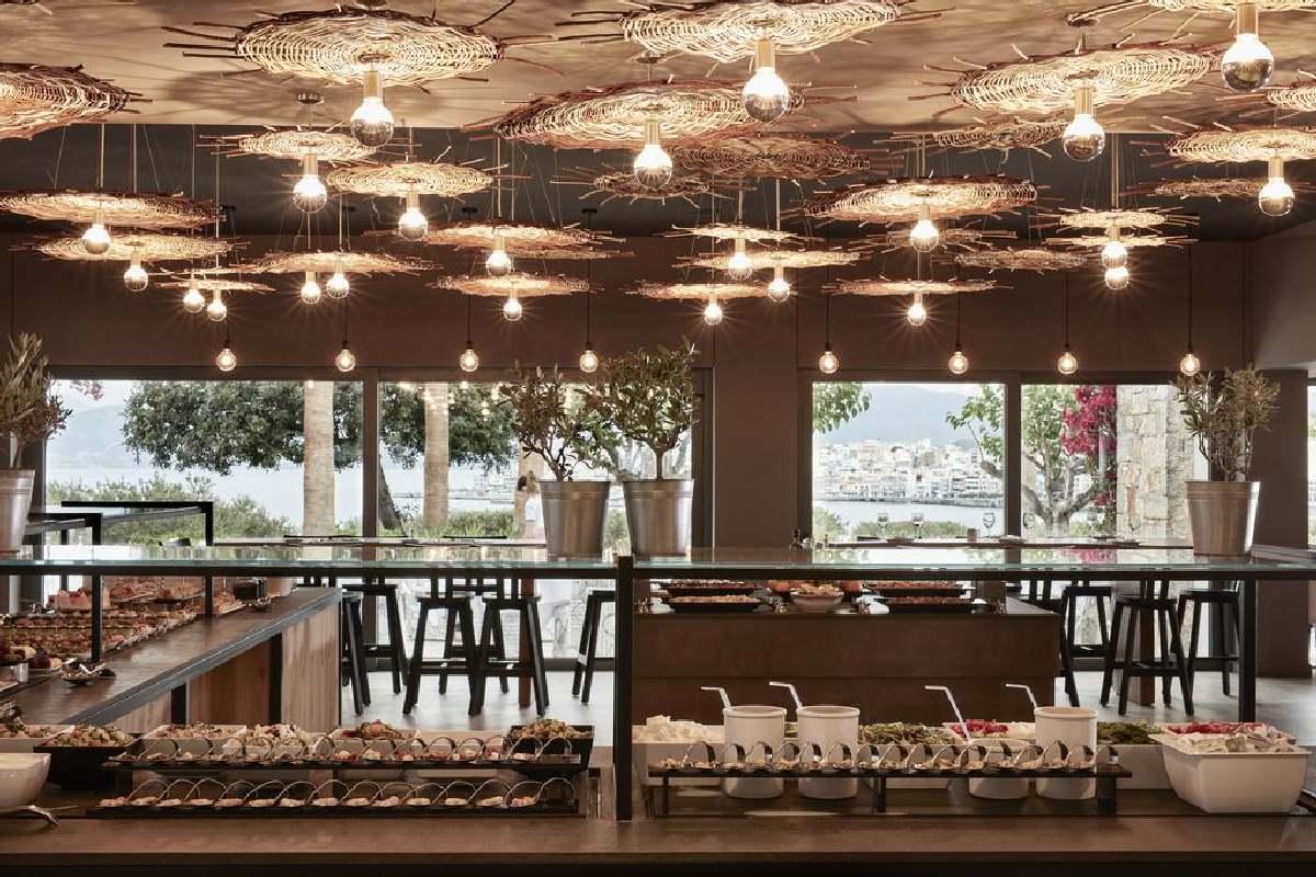 Minos Palace – Restauracja