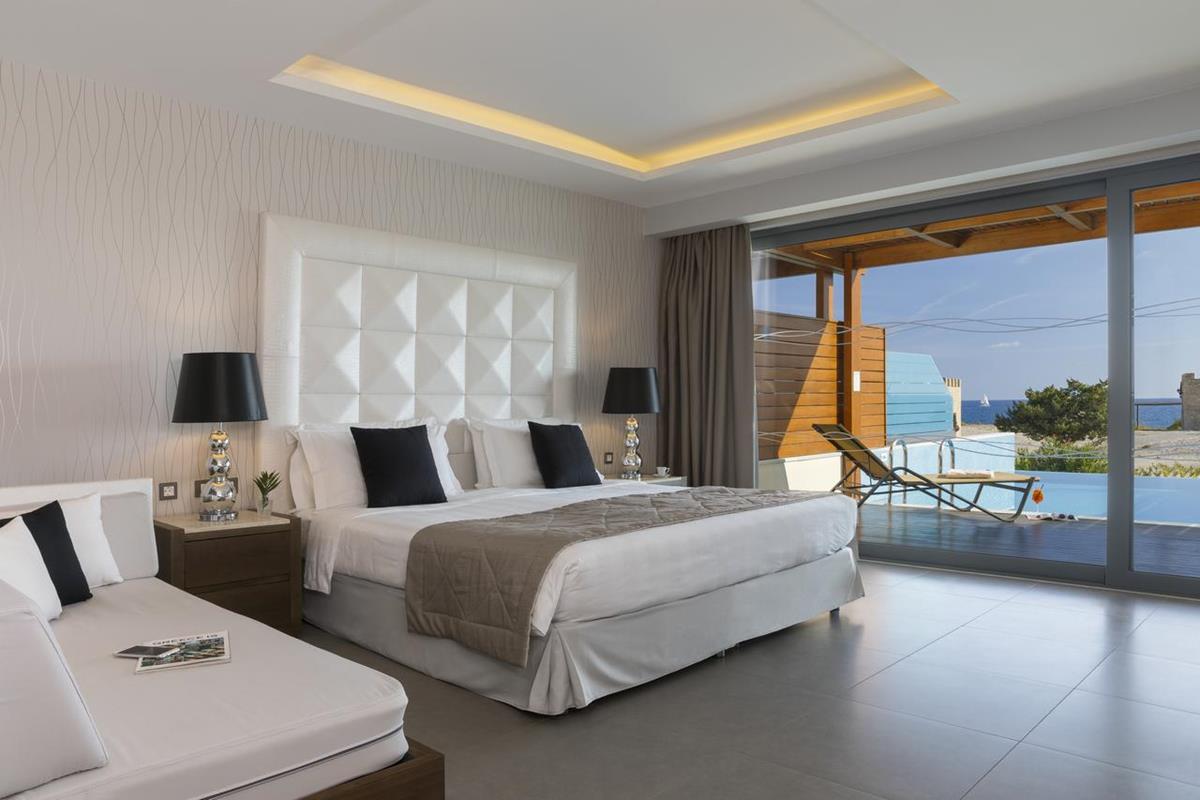 Boutique 5 – Superior Junior Suite z prywatnym basenem i widokiem na morze