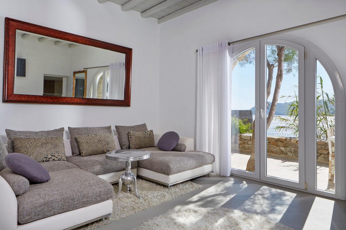 Greco Philia – Raphael Deluxe Villa