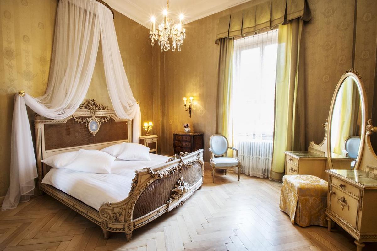 International au Lac Historic Lakeside Hotel – Belle Epoque Room