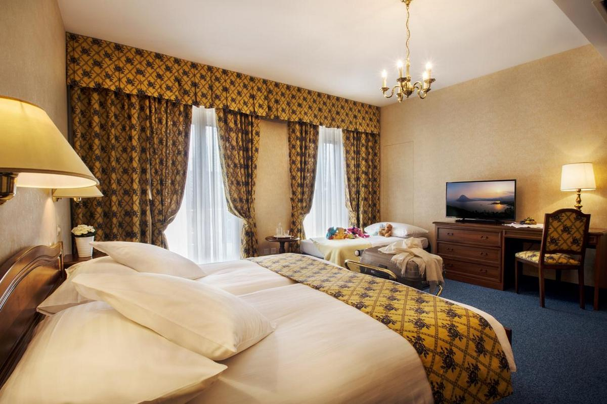 International au Lac Historic Lakeside Hotel – Classic Room