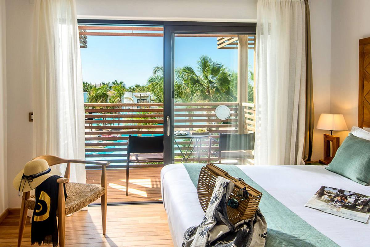 Stella Island Luxury Resort & Spa – Luxury Pool View