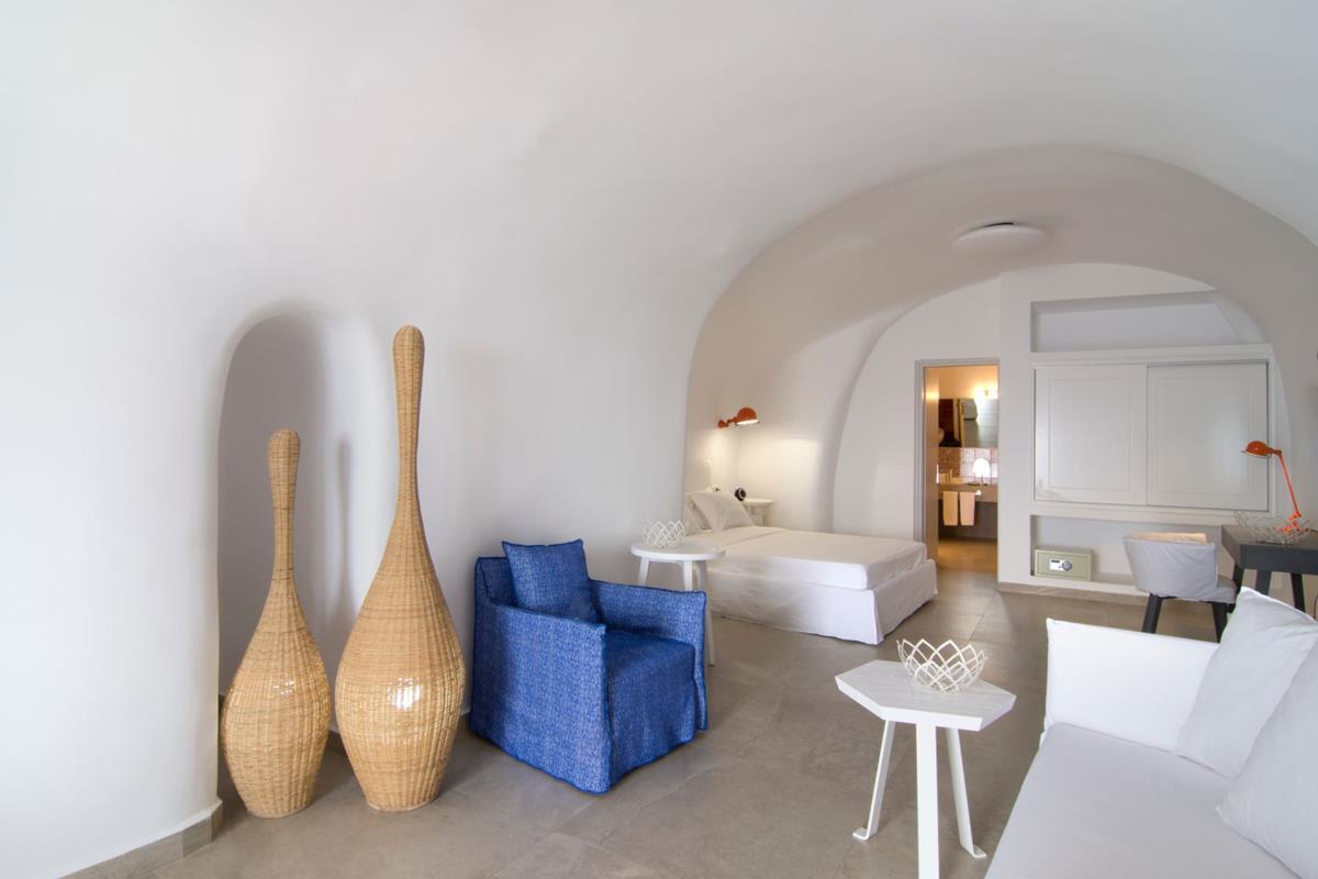 Santorini Secrets Suites & Spa – Absolute Suite