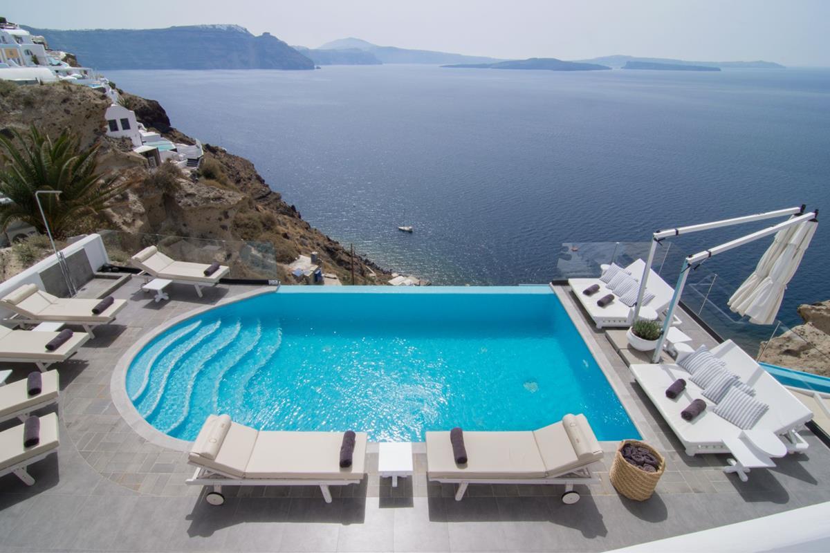 Santorini Secrets Suites & Spa – Basen