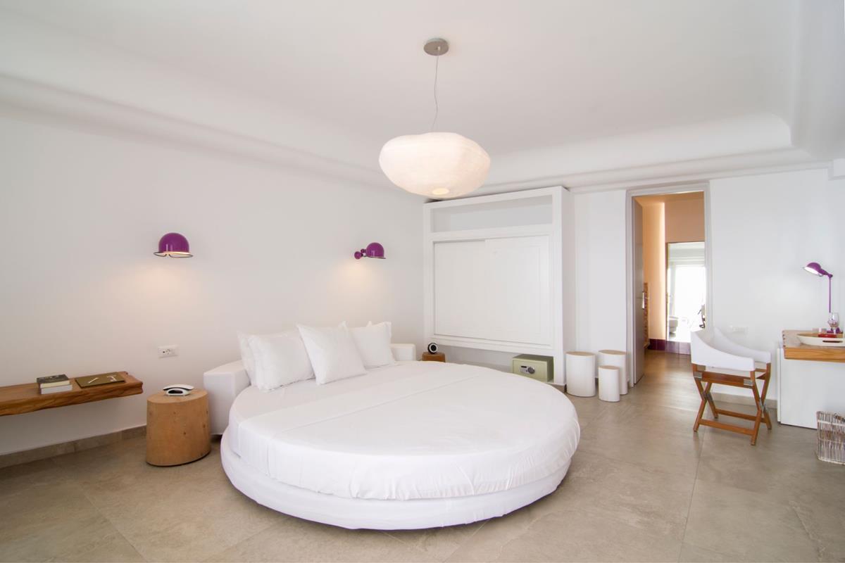 Santorini Secrets Suites & Spa – Premium Suite