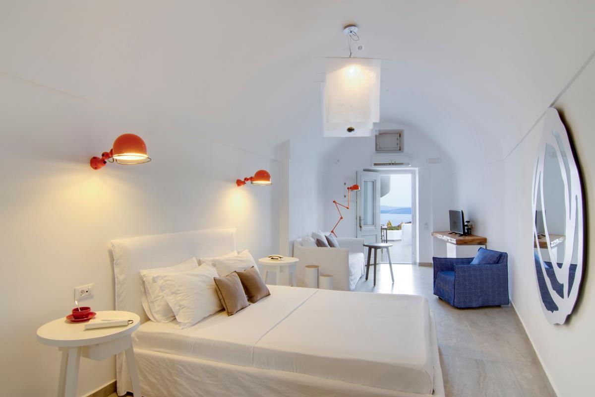Santorini Secrets Suites & Spa – Pure Suite