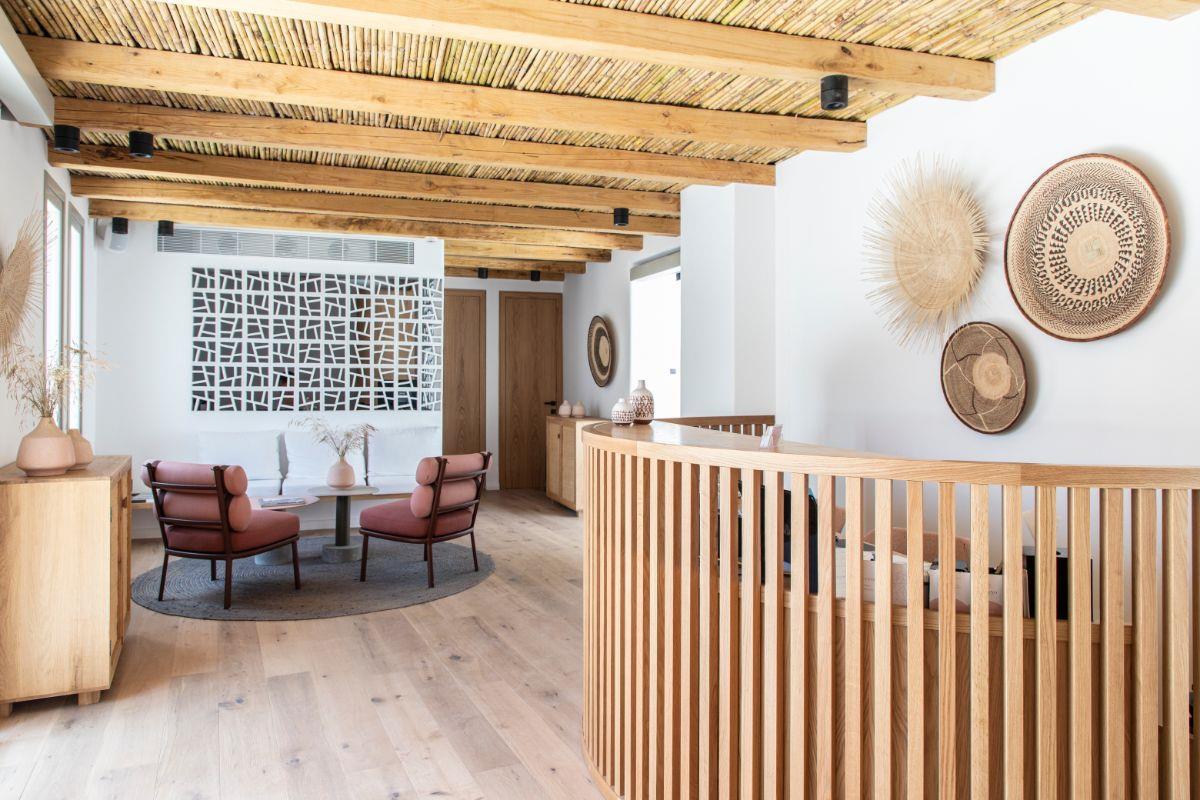 Adorno Beach Hotel & Suites – Lobby