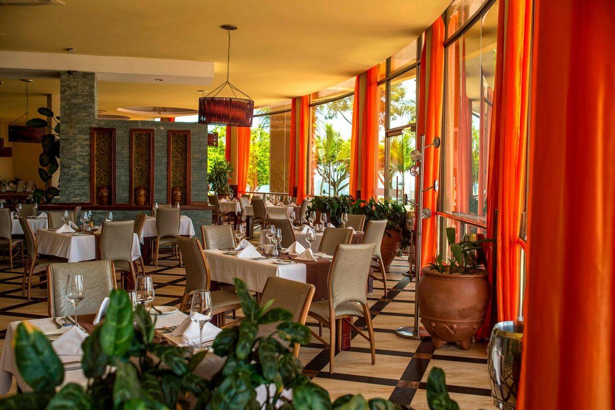 Protea Hotel by Marriott Entebbe – Restauracja