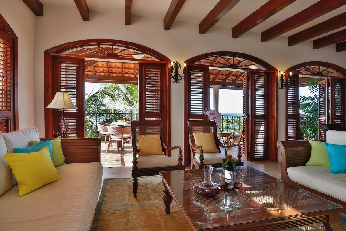 Cap Maison Resort & Spa – Oceanview Suite with Pool and Terrace