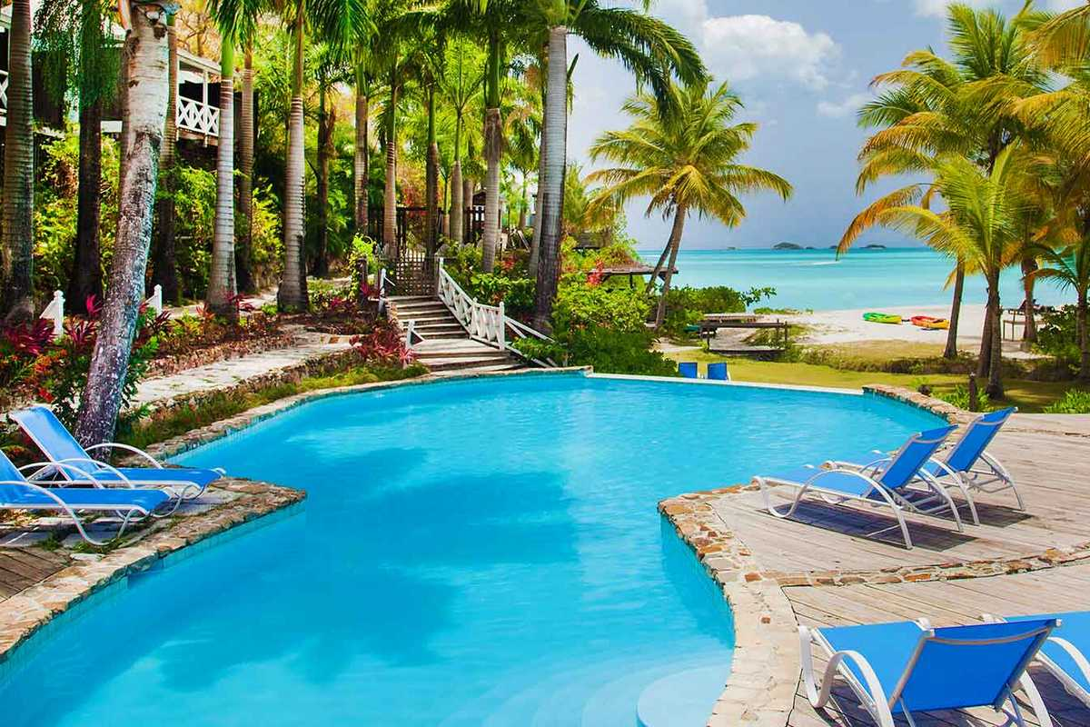Cocos Hotel Antigua – Basen