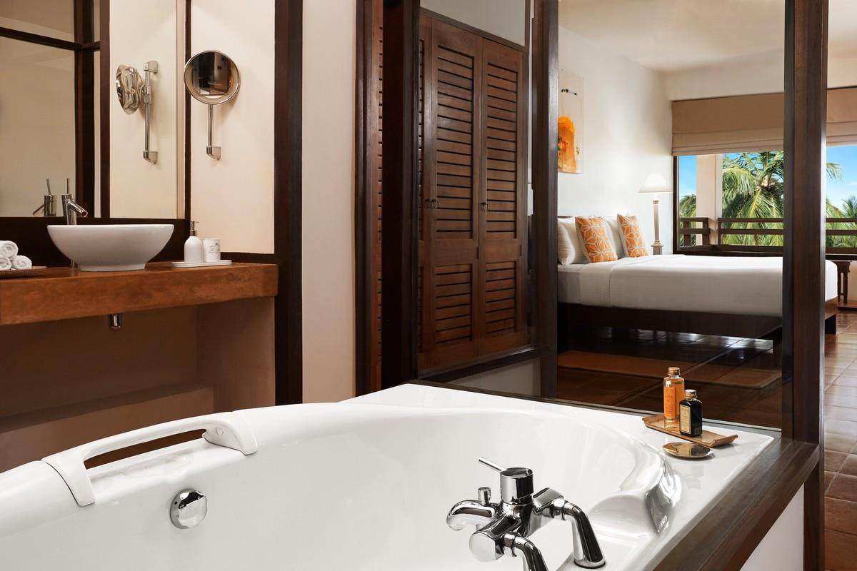 Jetwing Beach – Deluxe Room
