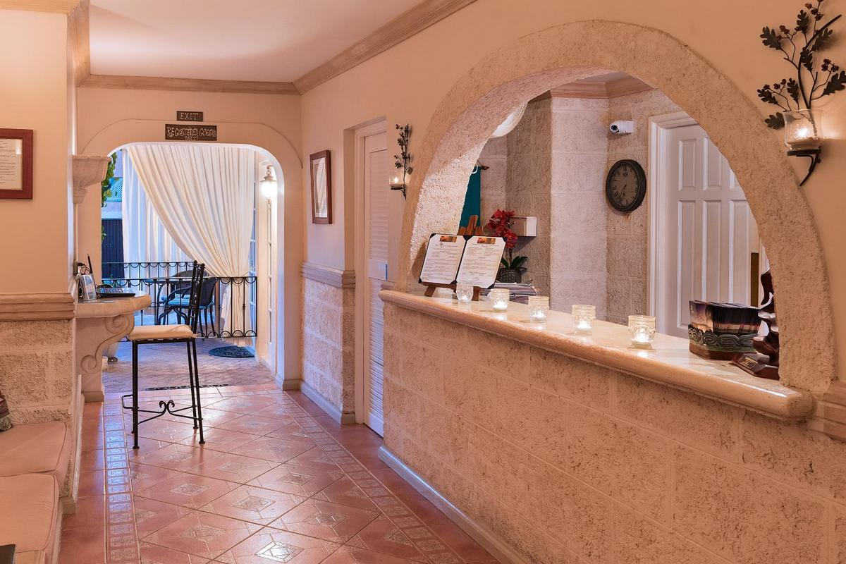 Little Arches Boutique Hotel – Lobby