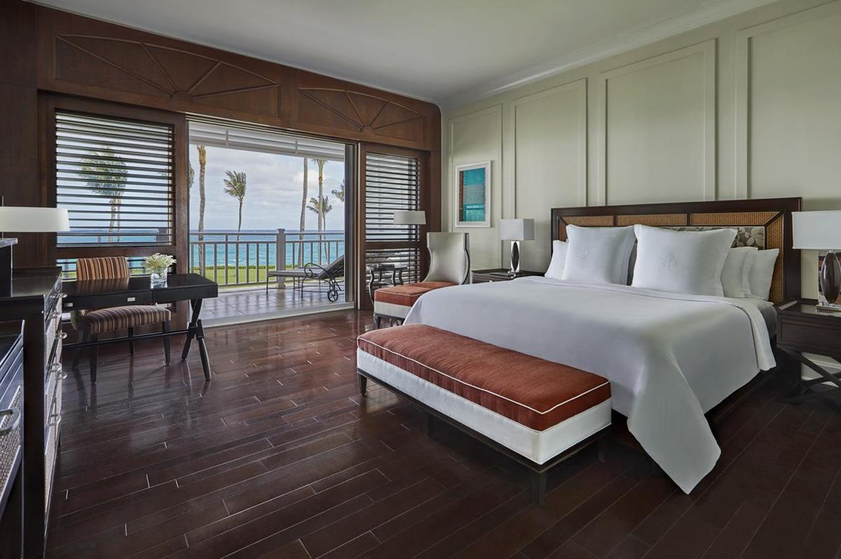 The Ocean Club – Luxury Oceanfront Room