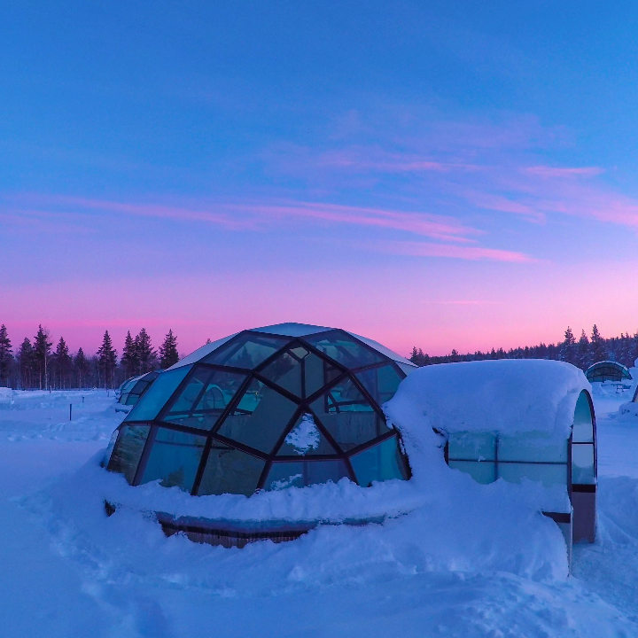 Finlandia – Domki ze szklanym dachem