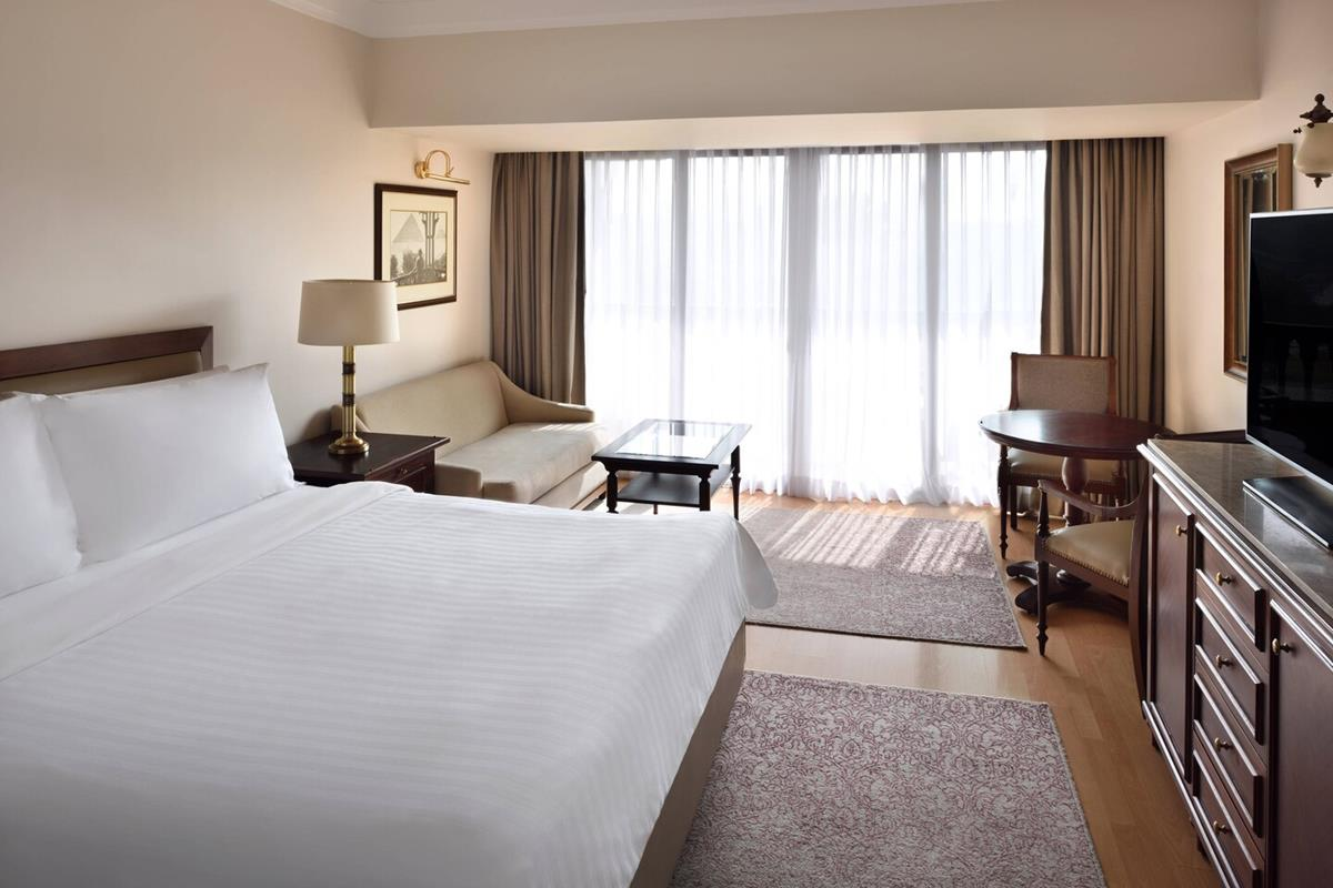 Marriott Mena House – Executive Pyramid View Room