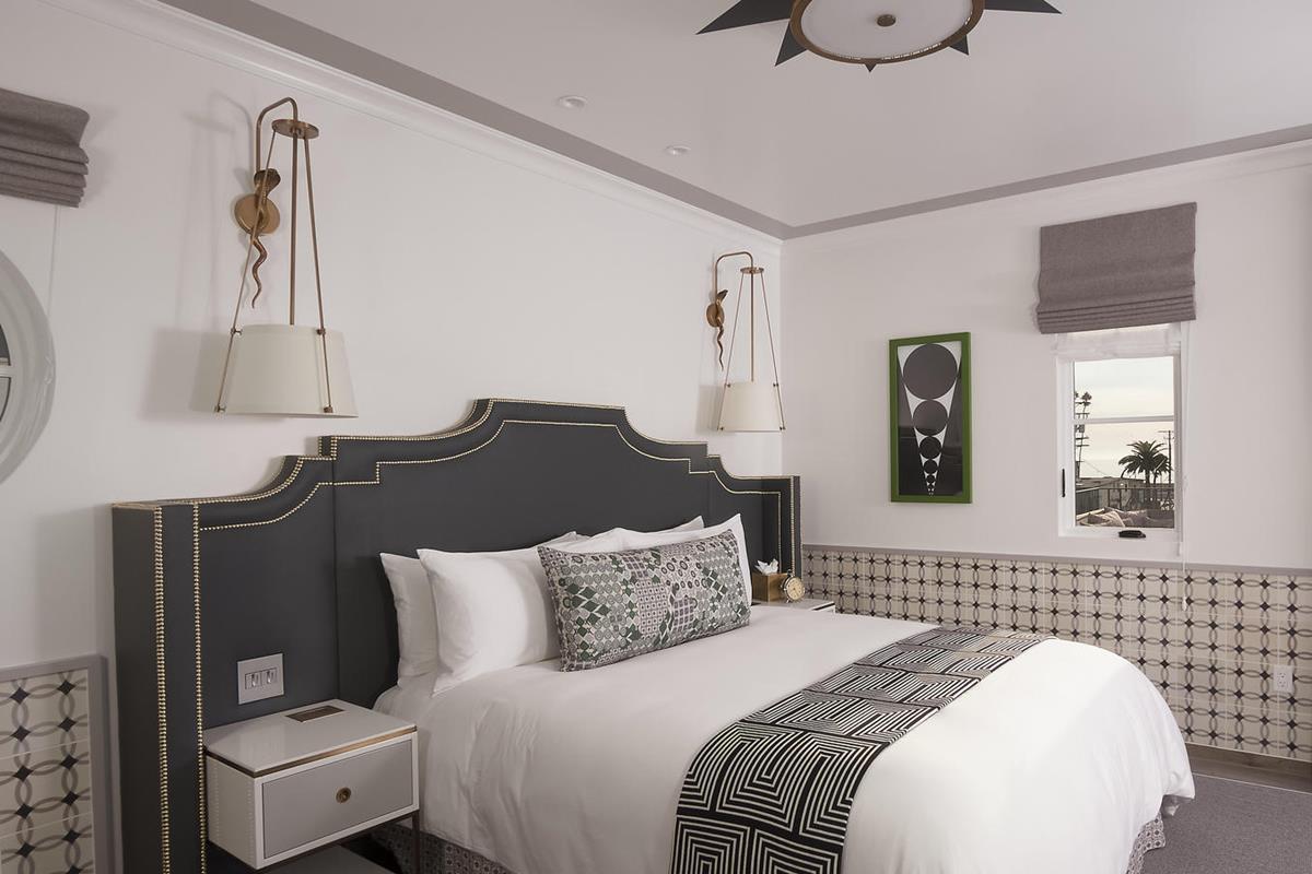 Hotel Californian – Almeria Guestroom