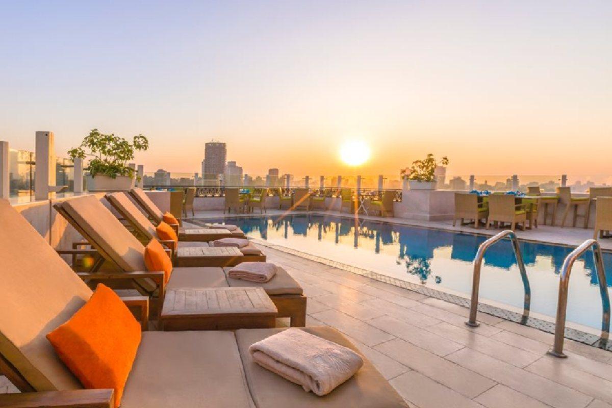 Kempinski Nile Hotel Garden City – Basen na dachu