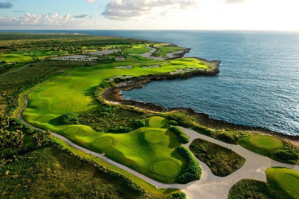 Tortuga Bay Hotel – Pole golfowe