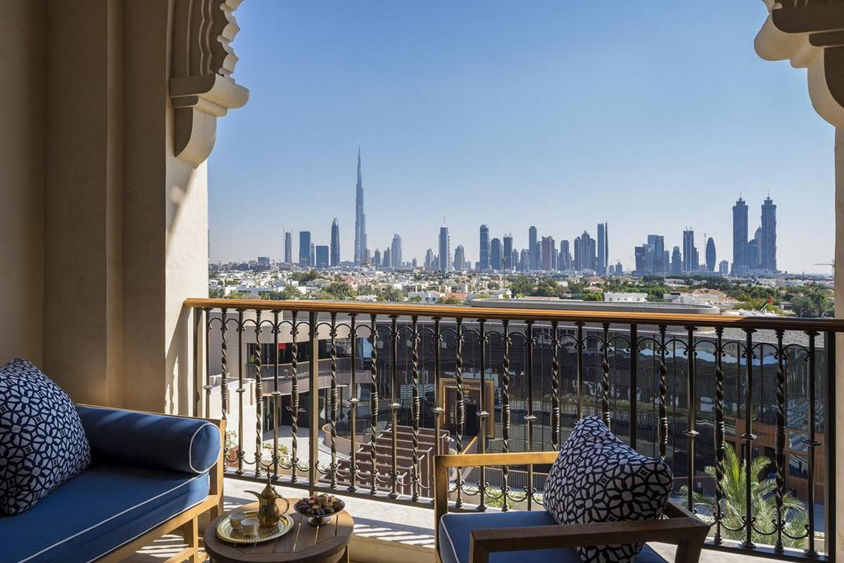 Four Seasons Resort Dubai – Deluxe Room City View