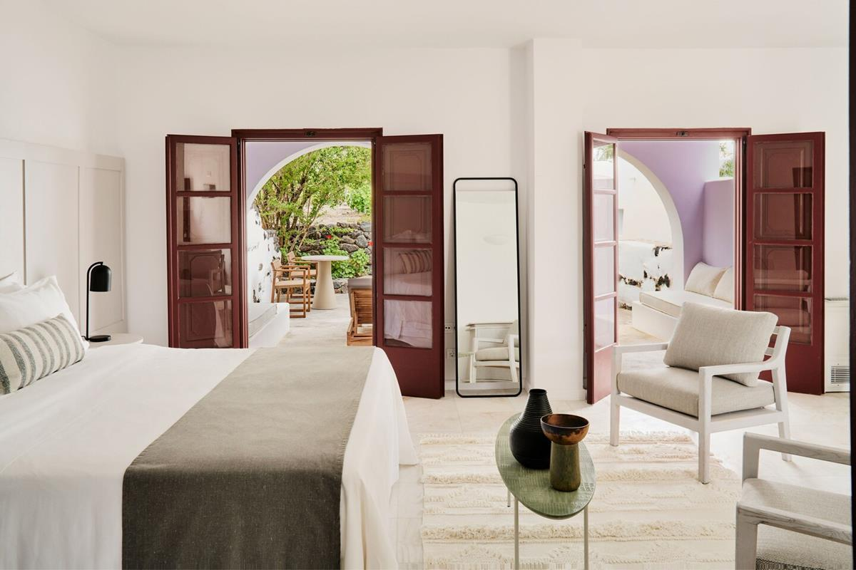 Vedema, A Luxury Collection Resort – Athenian King Suite