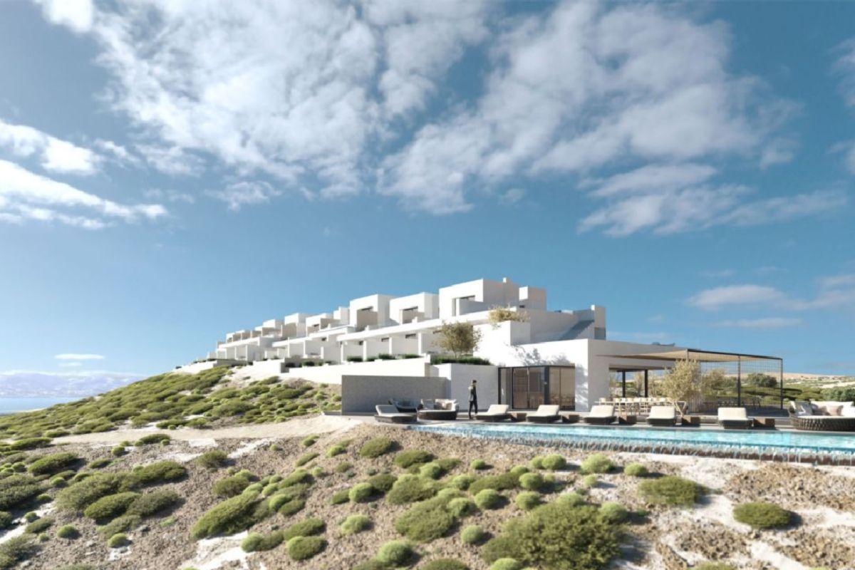 White Coast Pool Suite