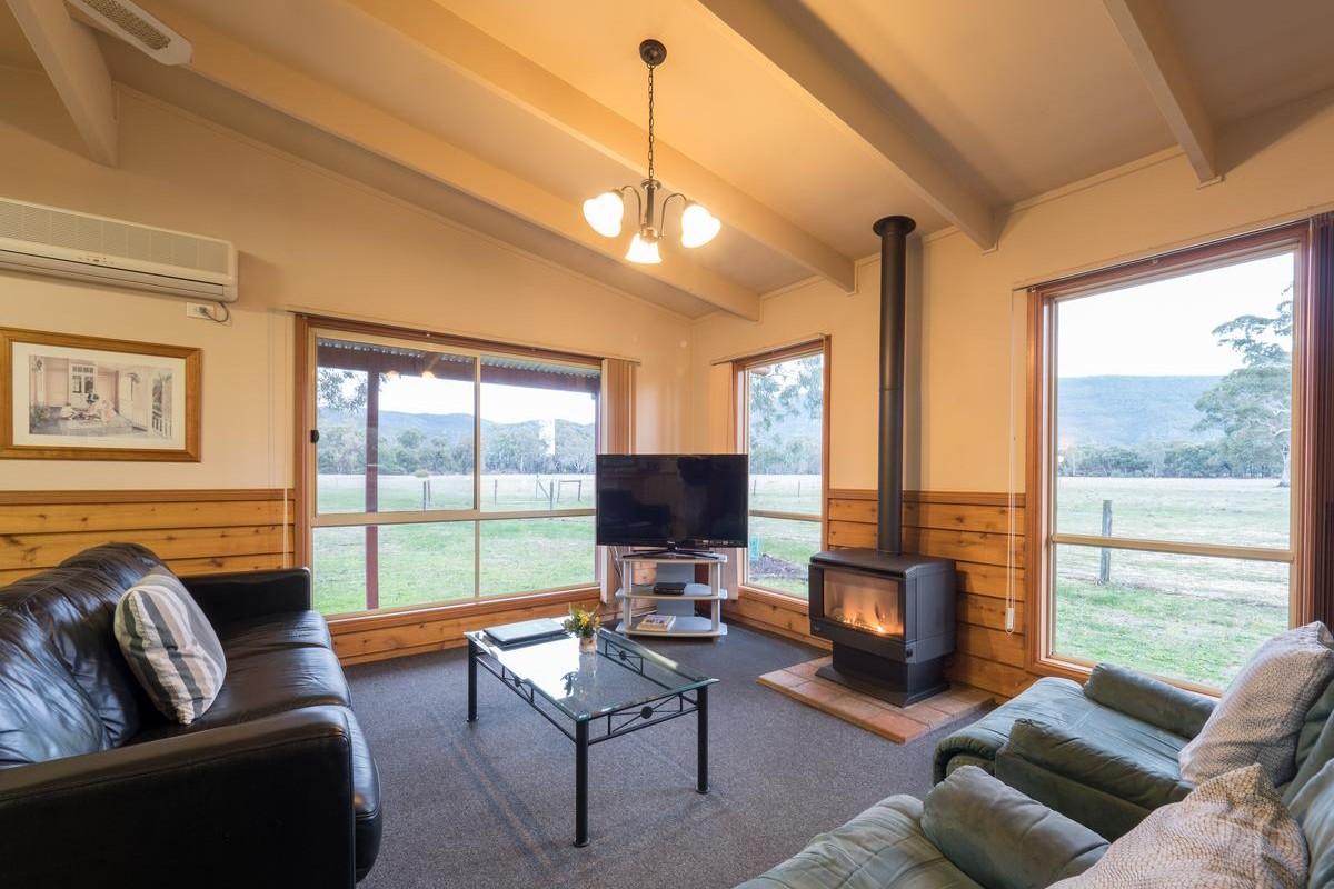 Halls Haven Resort – Deluxe Cottage