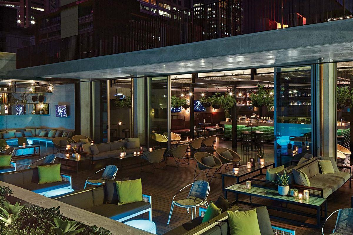 QT Melbourne – Bar Rooftop