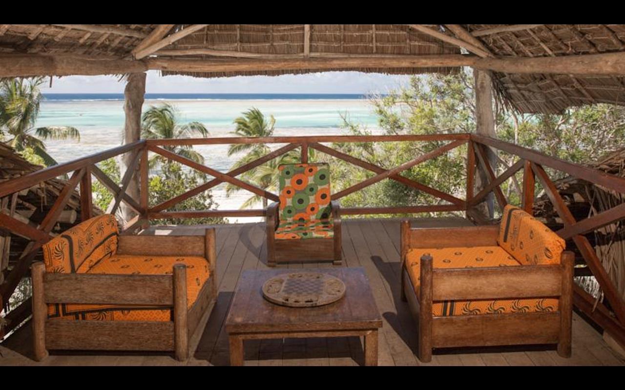 Kichanga lodge – taras z widokiem na morze
