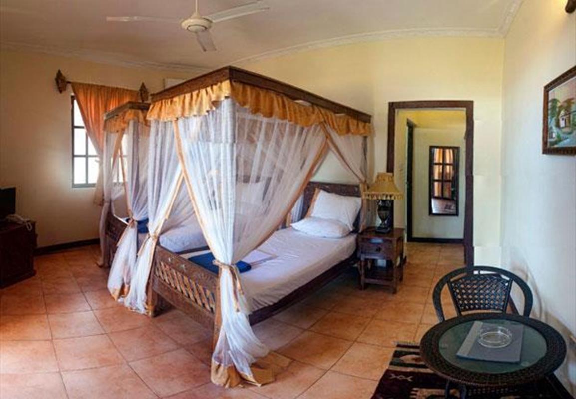 Arabian Nights Suites Twin Standard Room