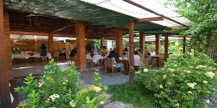 Famiana Village