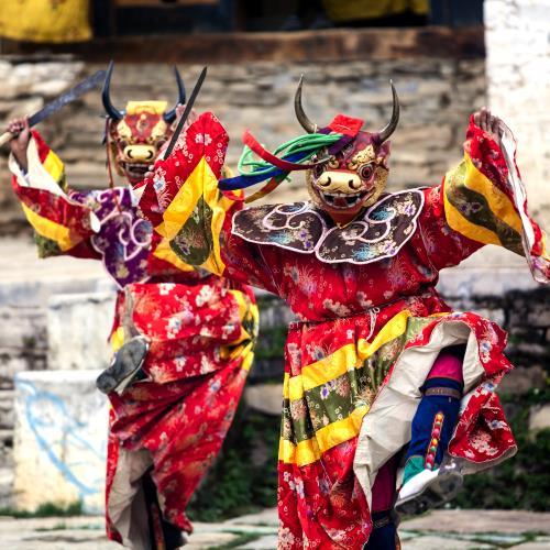 Odkrywanie mistycznego Bhutanu i rajska plaża Kovalam w Indiach