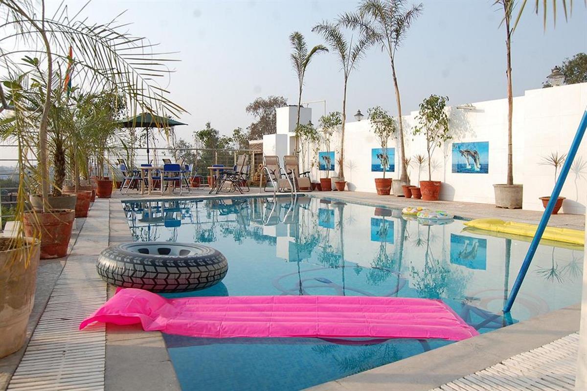 Hotel Taj Resorts – Basen