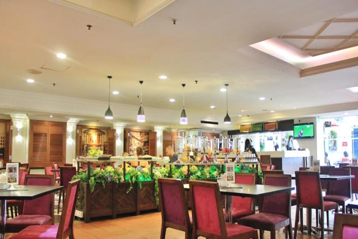 Swiss Inn – Restauracja