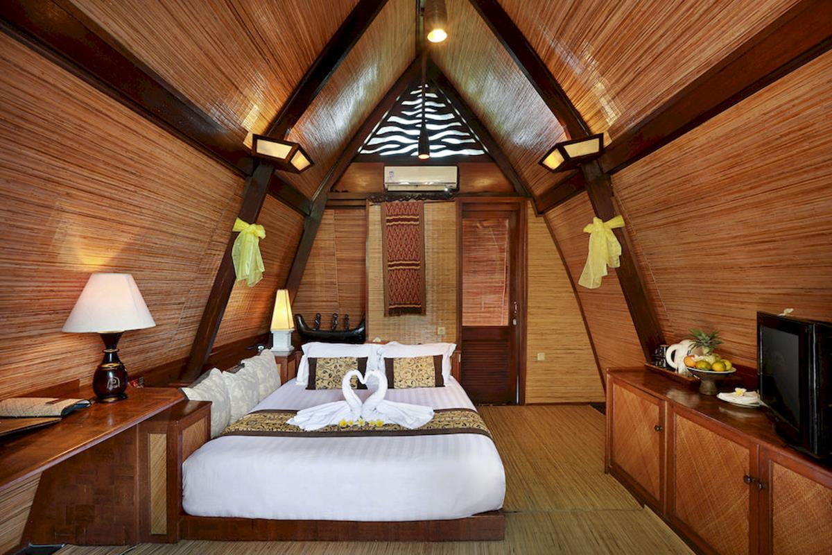 Villa Ombak – Traditional Lumbuk Huts