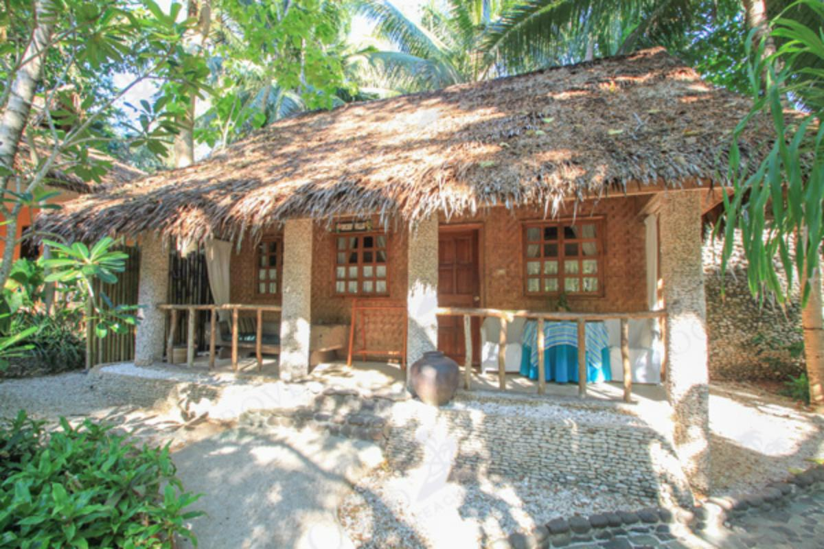 Coco Grove Beach Resort – Orchid Villa