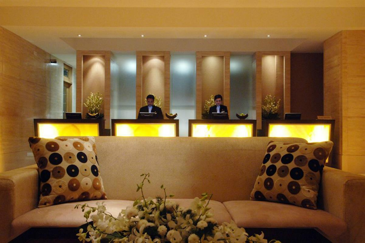 Hotel Aryaduta – Recepcja
