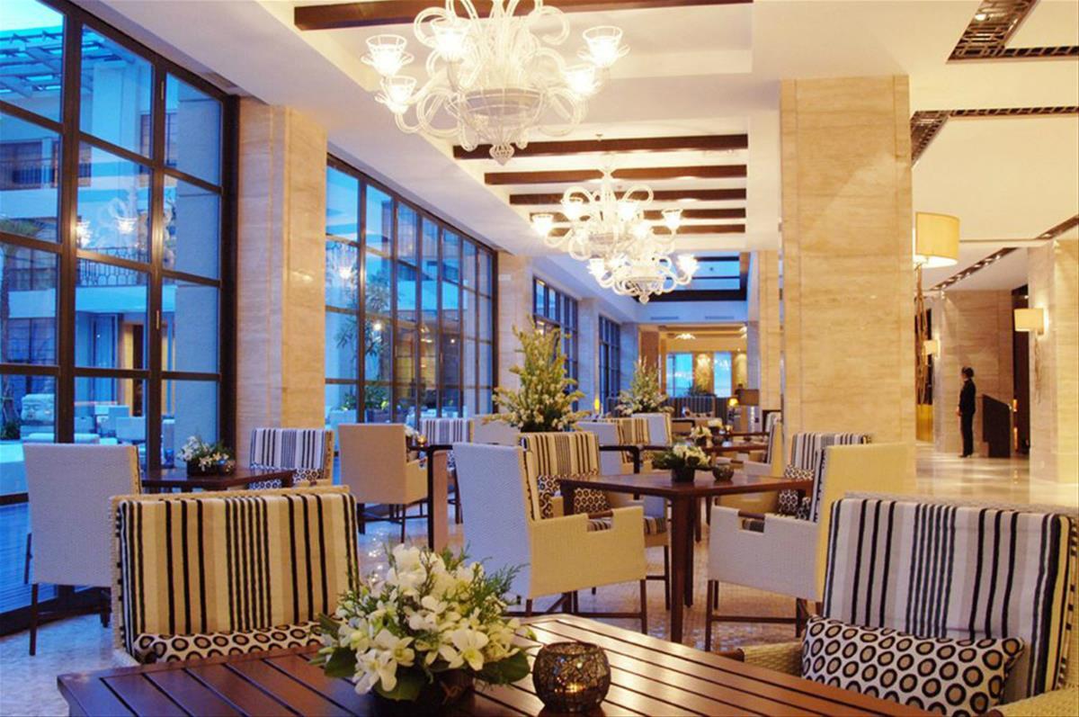 Hotel Aryaduta – The Pool Cafe