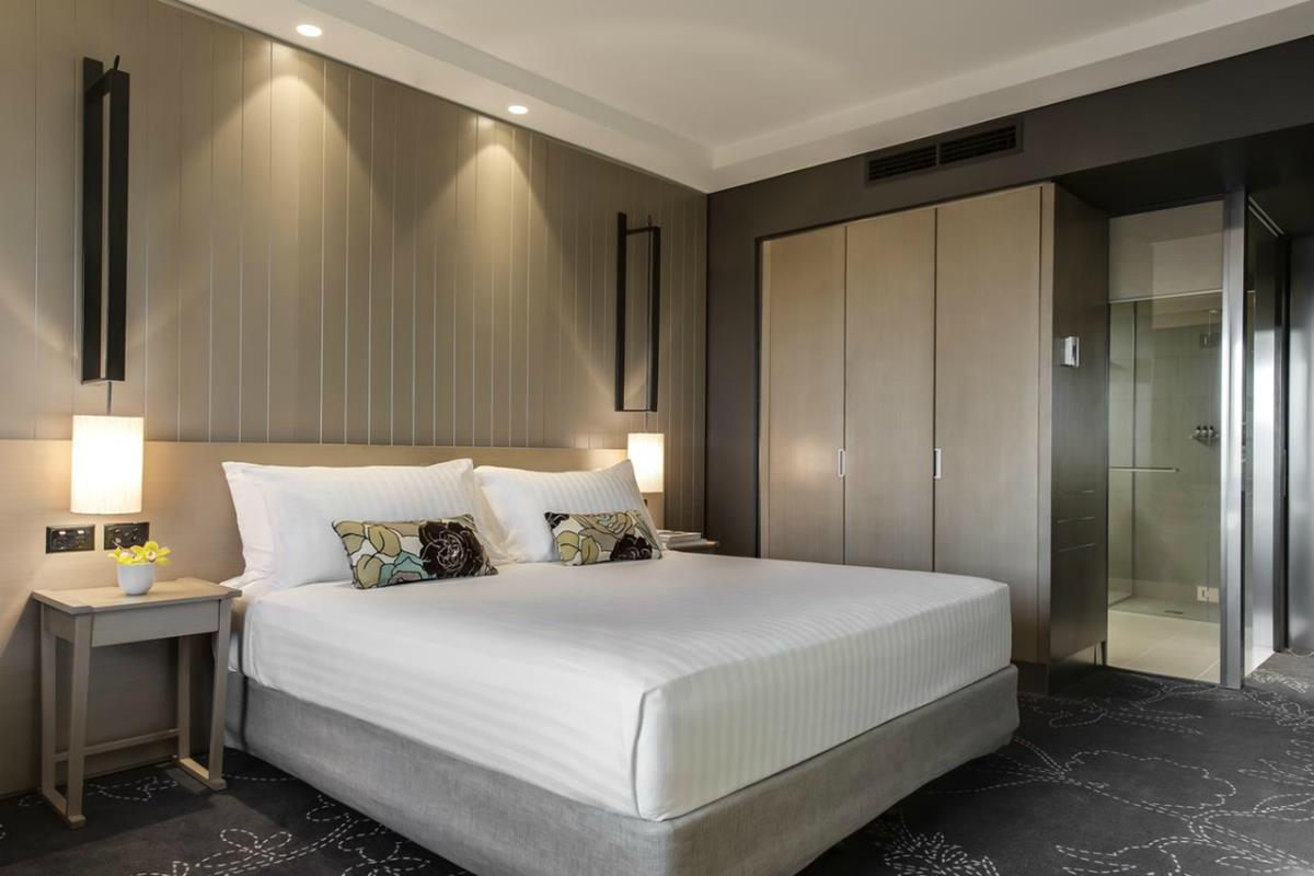 Parkroyal Darling Harbour – Executive Suite